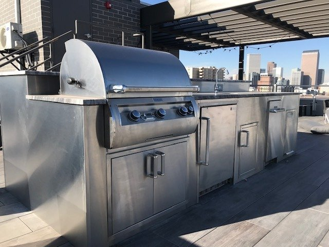 SELECTING THE RIGHT OUTDOOR KITCHEN CABINETS