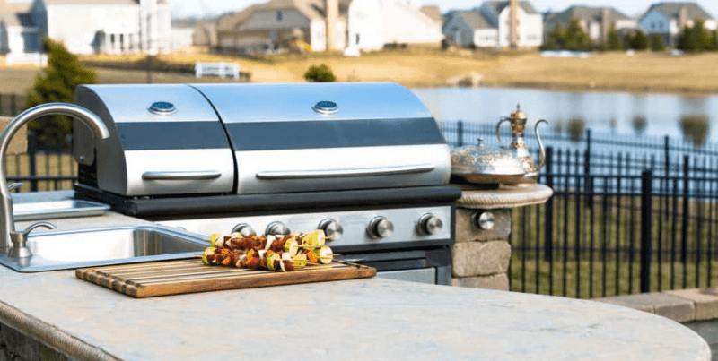 5 FACTORS TO CONSIDER WHEN SHOPPING FOR A GRILL